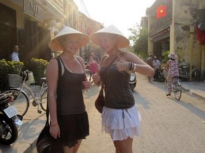 Deux volontaires au Vietnam