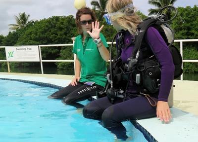 Volontaire en formation instructeur plongée aux Fidji
