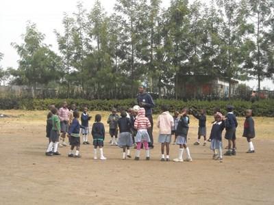 Faire une mission dans les écoles en Afrique