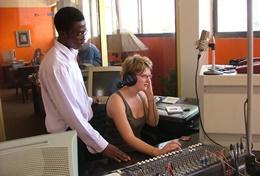 Missions de volontariat et stages en journalisme général : Ghana