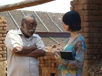 Interview auprès des locaux dans le cadre d'un stage journalisme au Sri Lanka