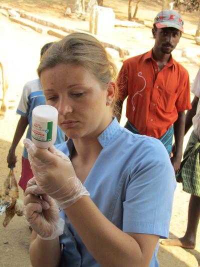 Volontaire lors d'une campagne de vaccination au Sri Lanka