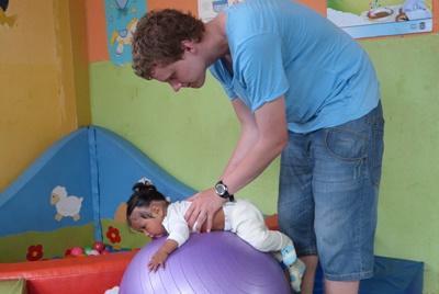 Travailler avec des bebes en equateur