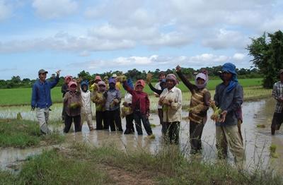 Rencontre avec une communauté locale lors du projet culture khmère au Cambodge pour les 50 ans plus