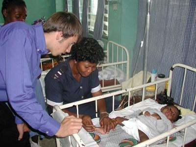 Stage humanitaire en kinésithérapie en Afrique