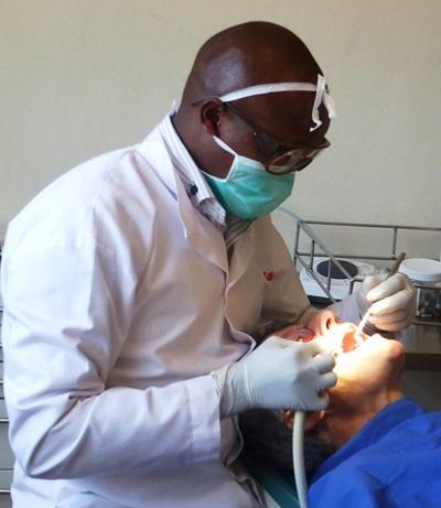 Stage en odontologie en Afrique