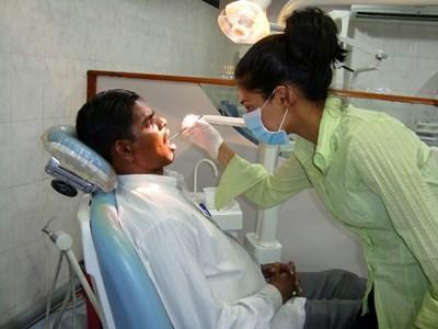 Soins dentaires au Sri Lanka